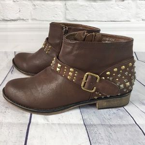Diba Jarvis vegan brown leather studded ankle boot